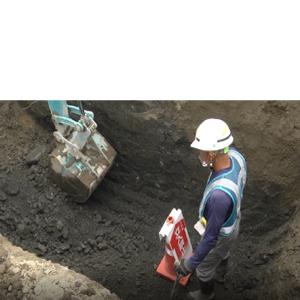 掘削作業における刃先監視員のイメージ
